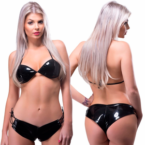SUBMISSION - Conjunto de Short e Top em Vinil Preto