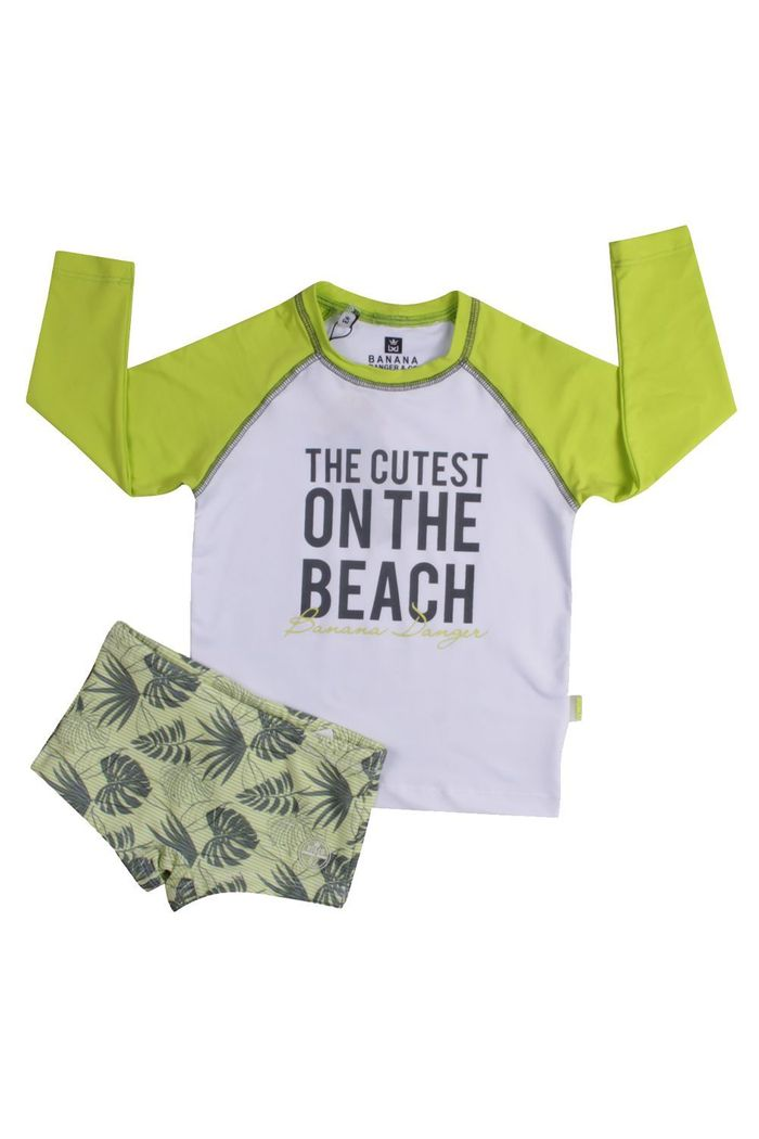 Kit Beachwear On The Beach